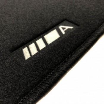 Tapis Mercedes Classe A W177 (2019 - actualité) logo sur mesure