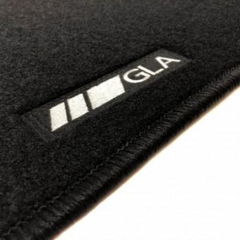 Tapis Mercedes GLA X156 Restyling (2017 - actualité) logo sur mesure