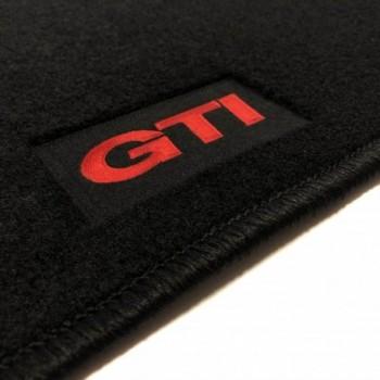 Tapis Volkswagen Touran (2003 - 2006) GTI sur mesure