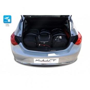 Kit de valises sur mesure pour Opel Astra J 3 ou 5 portes (2009 - 2015)