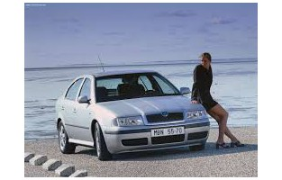 Protecteur de coffre de voiture réversible Skoda Octavia Hatchback (2000 - 2004)